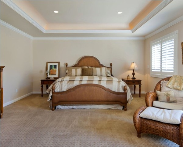 Simple-interior-design-and-classic-browen-wooden-bedstead-with-table-lamp-al